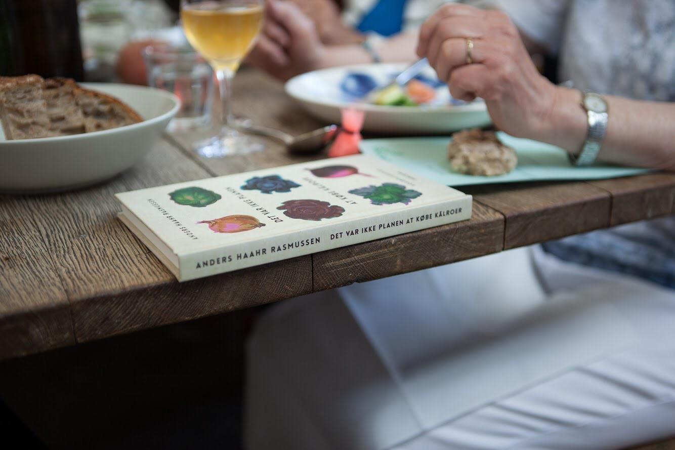 Spis en bog, Anders Haahr Rasmussen, det var ikke planen at købe kålroer, kogebogsroman, apollo bar, kunsthal charlottenborg, lille bogdag, Frederik Brahe bille